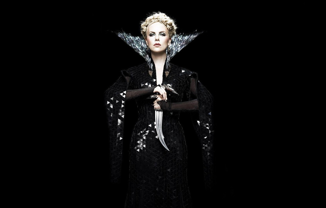 Фото обои Charlize Theron, Шарлиз Терон, ФОН, ЧЁРНЫЙ, Snow White and the Huntsman, АКТРИСА, БЕЛОСНЕЖКА