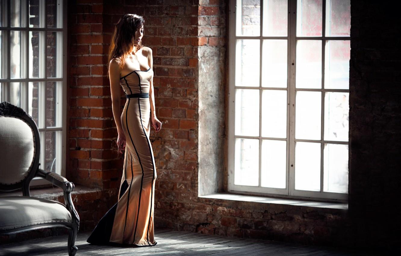 Фото обои девушка, платье, окно, Karina Guryeva