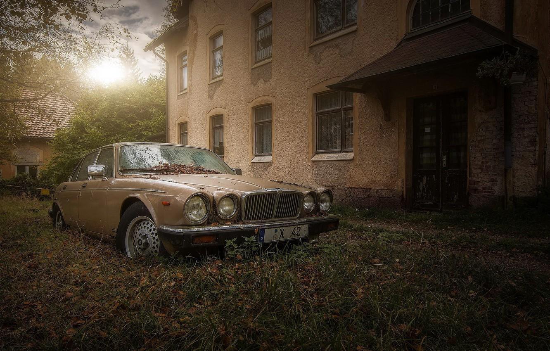 Фото обои машина, дом, abandoned jaguar