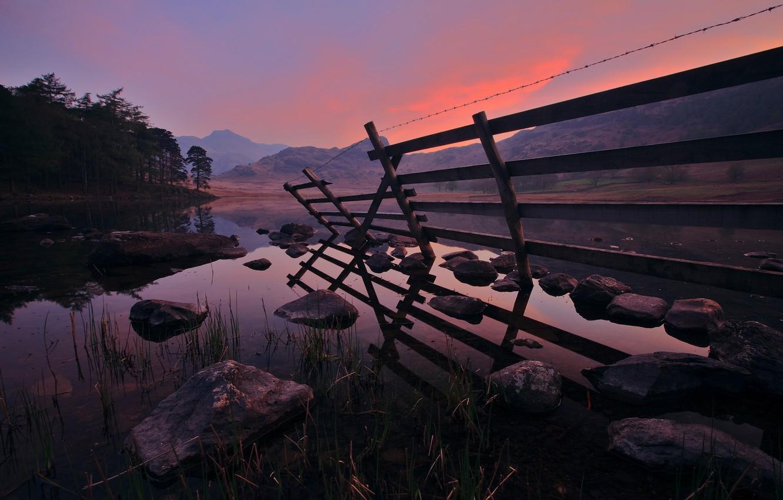 Фото обои небо, вода, пейзаж, горы, река, камни, берег, вид, вечер, forest, river, trees, water, mountains, lake, …
