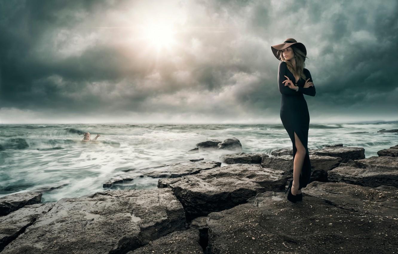 Фото обои море, девушка, шторм, на берегу, дело рук, Facing Adversity, утопающий, спасение утопающих, самих утопающих