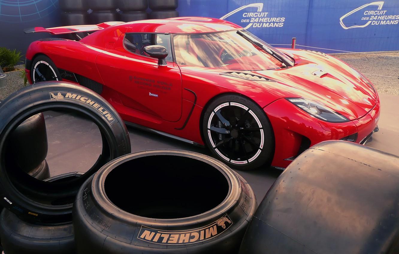 Фото обои Koenigsegg, шины, красная, Agera R