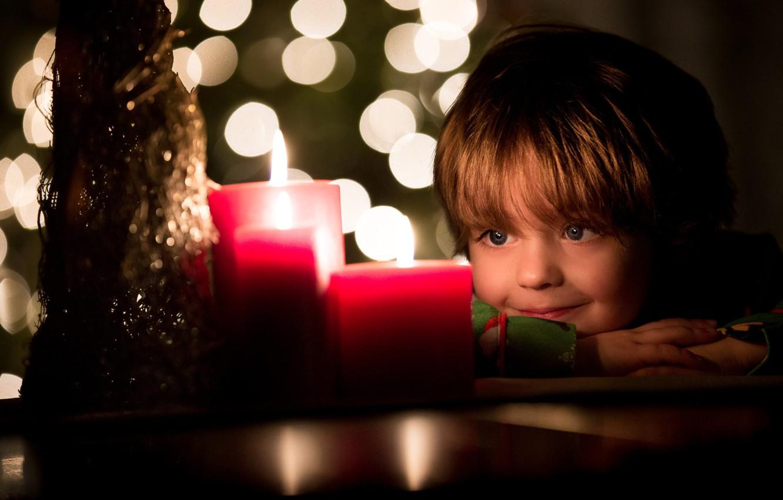 Фото обои улыбка, настроение, праздник, свечи, ребёнок, боке