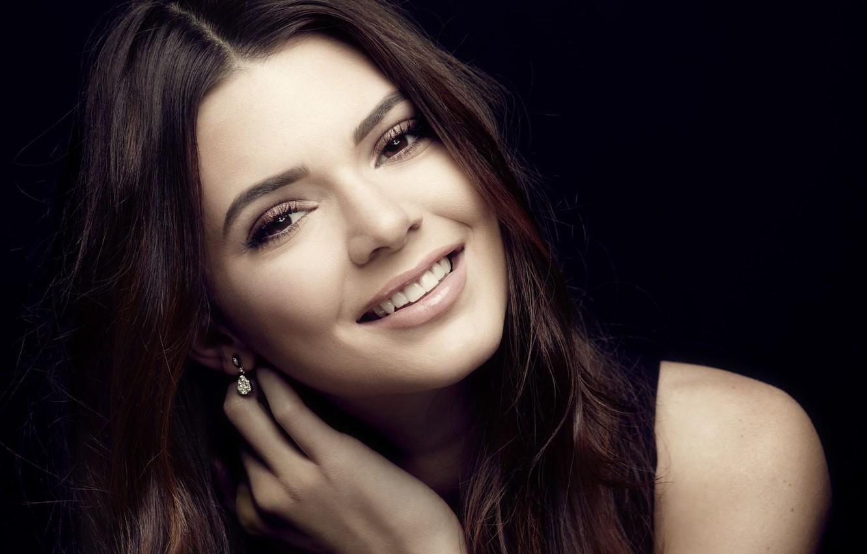 Фото обои взгляд, девушка, улыбка, модель, Kendall Jenner