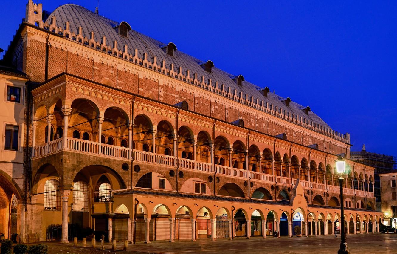Фото обои ночь, огни, Италия, Падуя, Палаццо делла Раджоне
