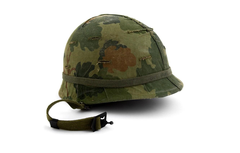 Обои очки, каска, армейская, пачка сигарет. Разное foto 10