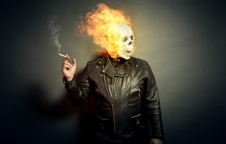 предварительным фото люди с огнями некоторые
