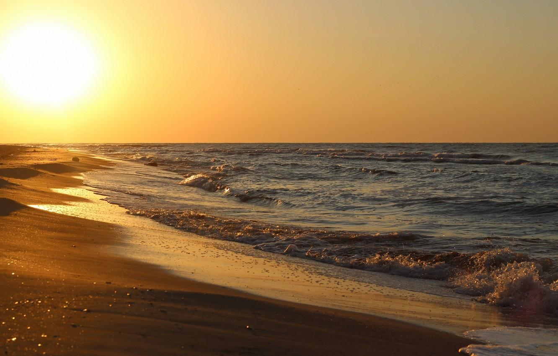 Фото обои песок, море, волны, пляж, солнце, океан, берег, побережье, горизонт, прибой, бриз, плеск