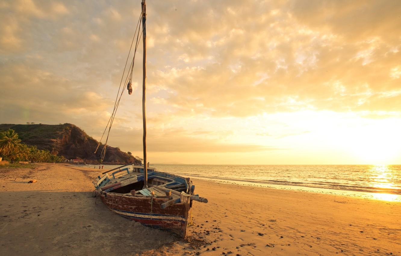 Фото обои песок, море, пляж, рассвет, лодка