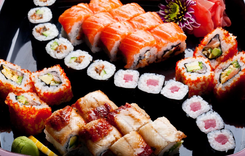Фото обои цветы, лимон, lemon, flowers, rolls, sushi, суши, роллы, японская кухня, имбирь, оформление, decorations, ginger, Japanese …