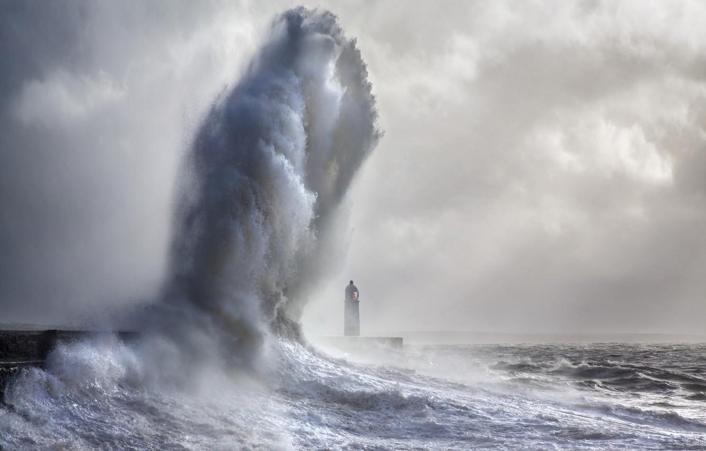 Фото обои море, пейзаж, Porthcawl Lighthouse, Giant Wave