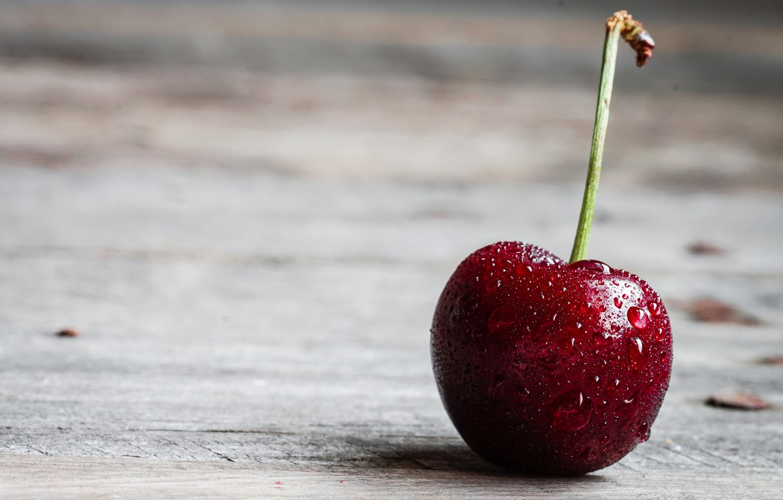 Фото обои капли, макро, вишня, стол, еда, мокрая, ягода