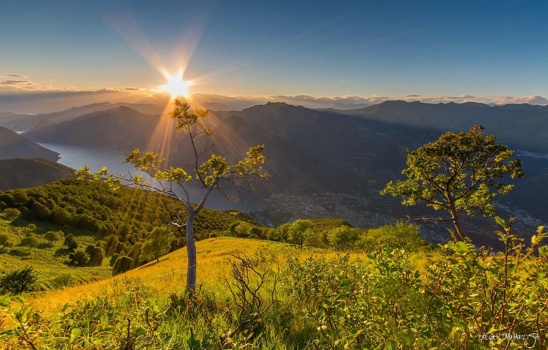 Фото обои деревья, закат, горы, озеро, Италия, панорама, Italy, озеро Комо, Ломбардия, Lombardy, Lake Como