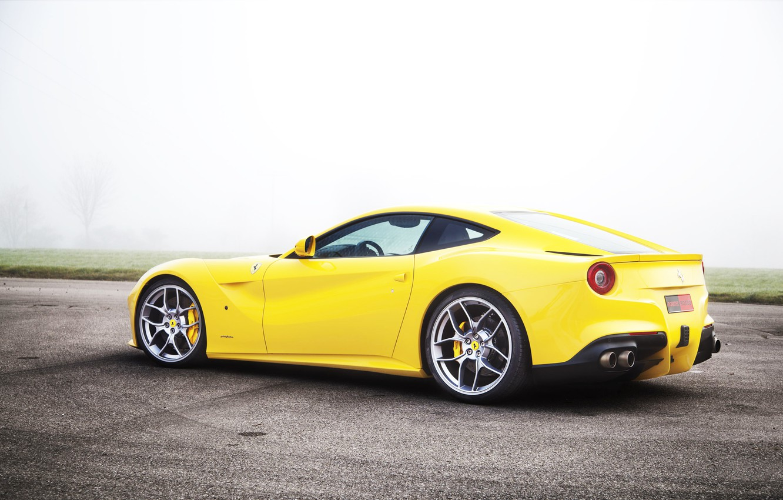 Фото обои Туман, Желтый, Спорт, Ferrari, F12, Ядовитый, Супер кар