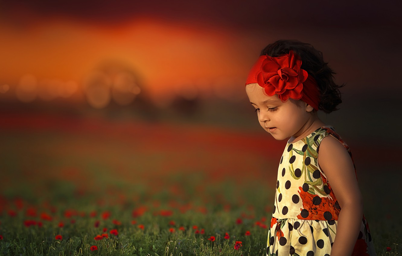Фото обои цветы, настроение, луг, девочка, повязка