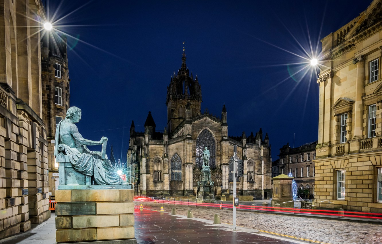 Фото обои ночь, огни, улица, дома, Шотландия, фонари, собор, храм, Edinburgh, St Giles Cathedral, памятнтки, Сент-Джайлс