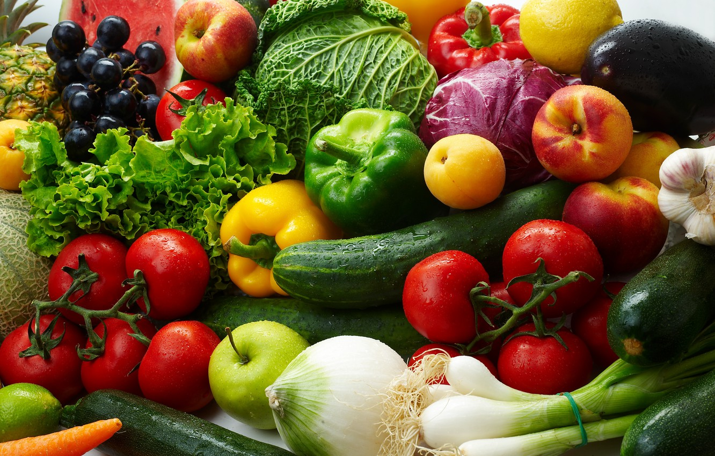 Фото обои лимон, яблоки, лук, виноград, баклажан, фрукты, овощи, помидоры, капуста, огурцы, абрикосы, салат, паприка, нектарины, цуккини