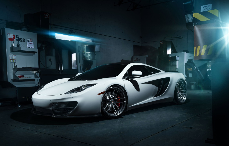 Фото обои McLaren, Front, MP4-12C, White, Wheels, Garage, ADV.1, Ligth