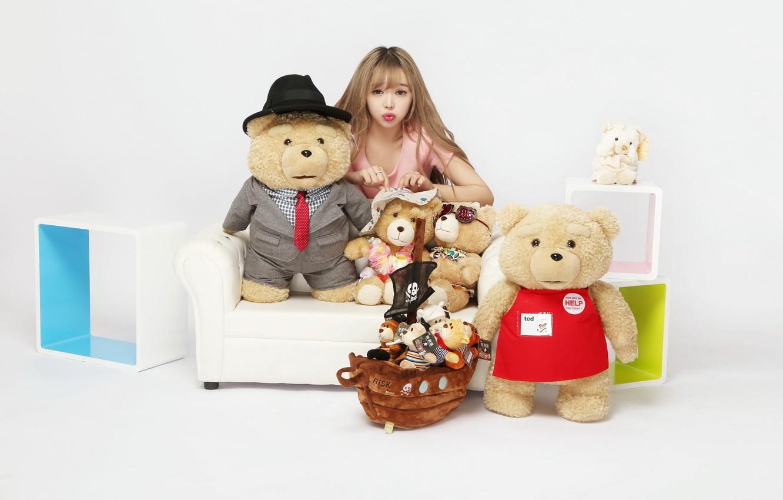 Фото обои девушка, модель, игрушка, мишка
