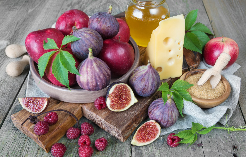 Фото обои листья, ягоды, малина, яблоки, доски, еда, сыр, банка, сахар, миска, фрукты, мёд, инжир