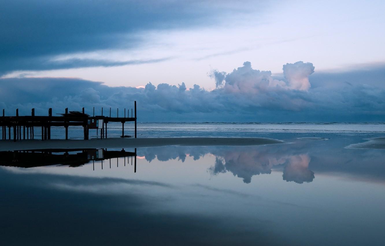 Фото обои Небо, Вода, Облака, Океан, Пляж, Мост, Горизонт