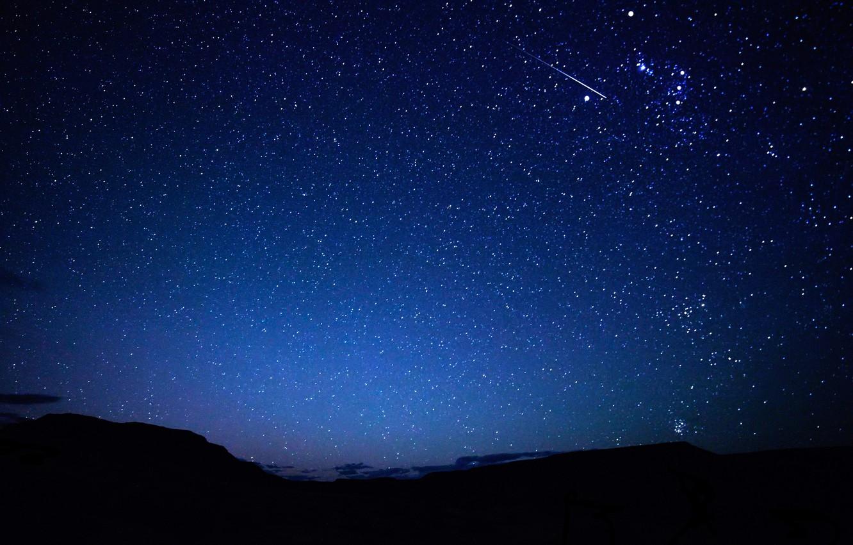 Фото обои небо, звезды, горы, ночь, след, метеор