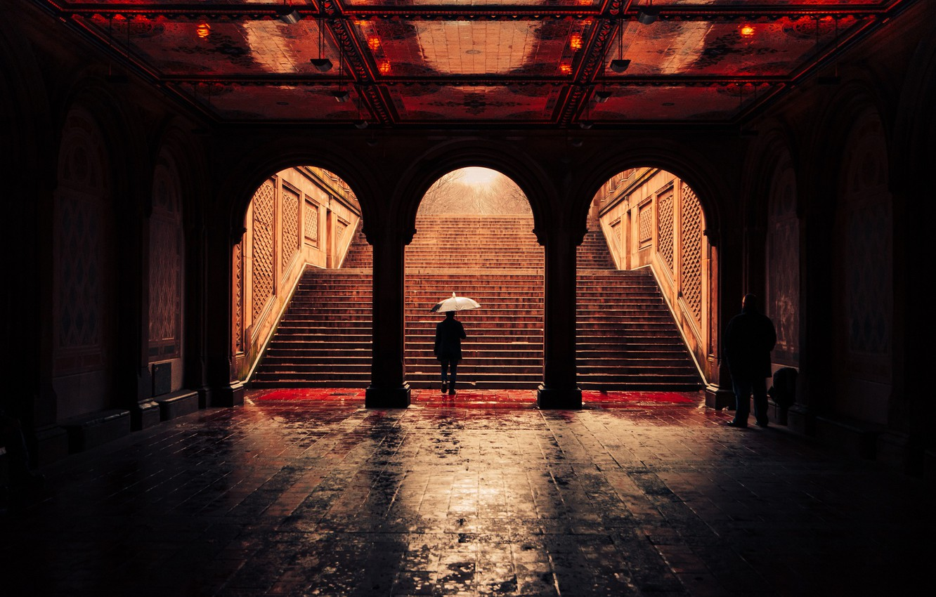 Фото обои United States, umbrella, New York, man, Central Park, raining, Bethesda Terrace Arcade
