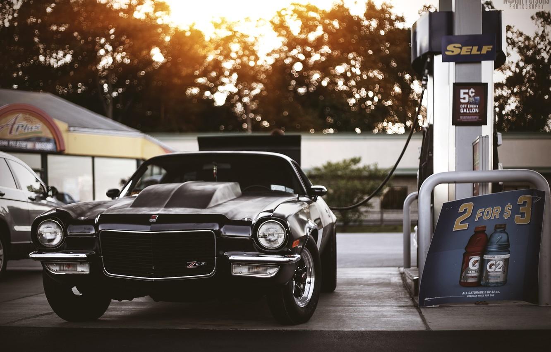 Фото обои заправка, muscle car, chevy, chevrolet camaro