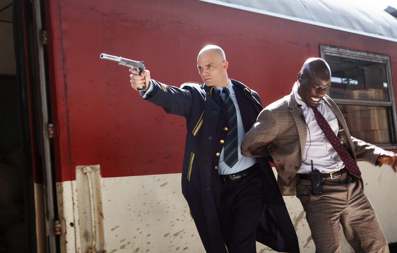 Обои костюм, мужчина, пистолет, глушитель. Разное foto 8