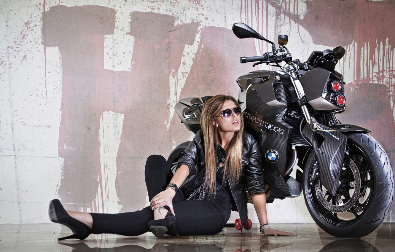 Фото обои девушка, отражение, фон, тюнинг, фара, BMW, БМВ, мотоцикл, байк, красотка, Predator, tuning, F800 R, Custom …