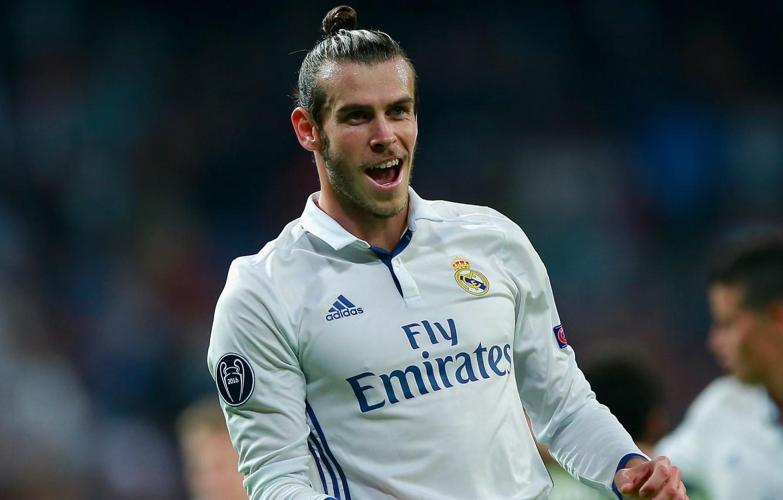 Фото обои поле, улыбка, футбол, звезда, медаль, Испания, футболист, гол, football, игрок, Реал Мадрид, Real Madrid, Gareth …
