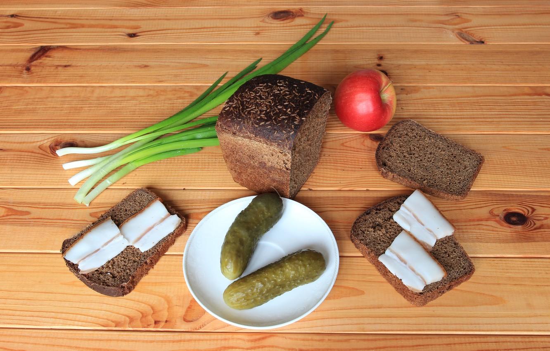Фото обои яблоко, лук, хлеб, огурцы, бутерброды, закуска, сало