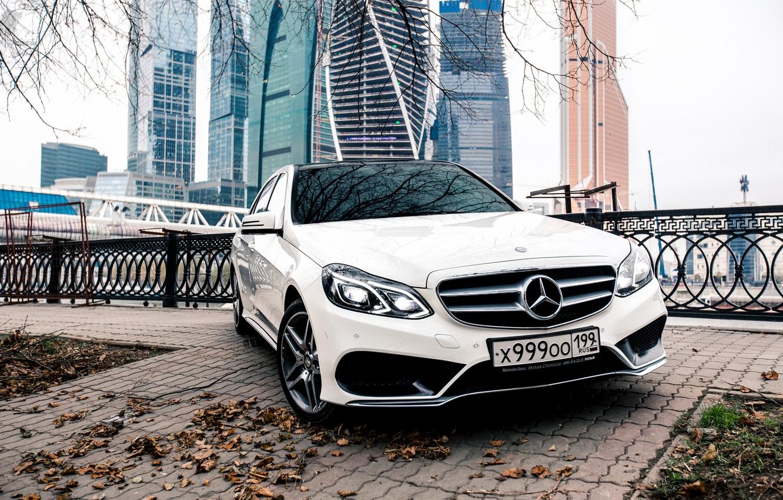 Фото обои Город, Mercedes, Benz, E-class, AMG, Moscow-City