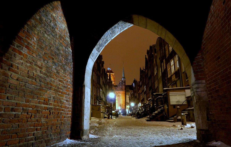 Фото обои зима, ночь, огни, улица, дома, Польша, арка, Гданьск