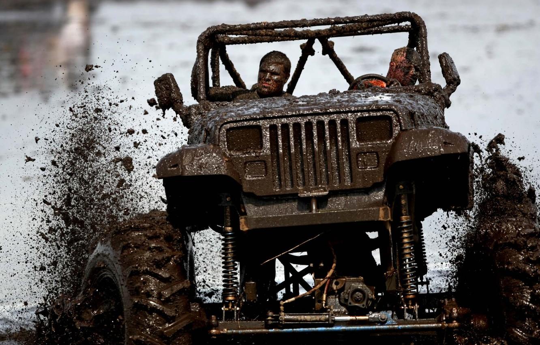 Фото обои брызги, фон, тюнинг, грязь, внедорожник, Джип, tuning, передок, Wrangler, Ренглер, Jeep, счастливые лица