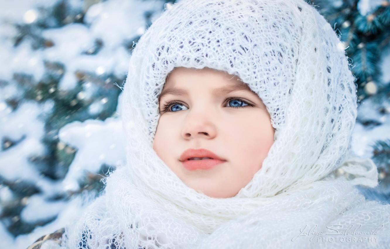 Фото обои зима, взгляд, лицо, портрет, девочка, платок