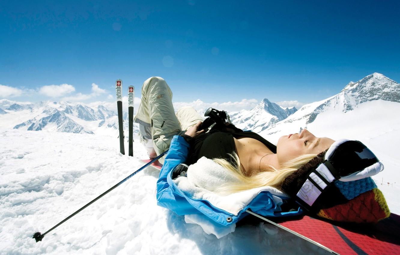 Фото обои девушка, снег, горы