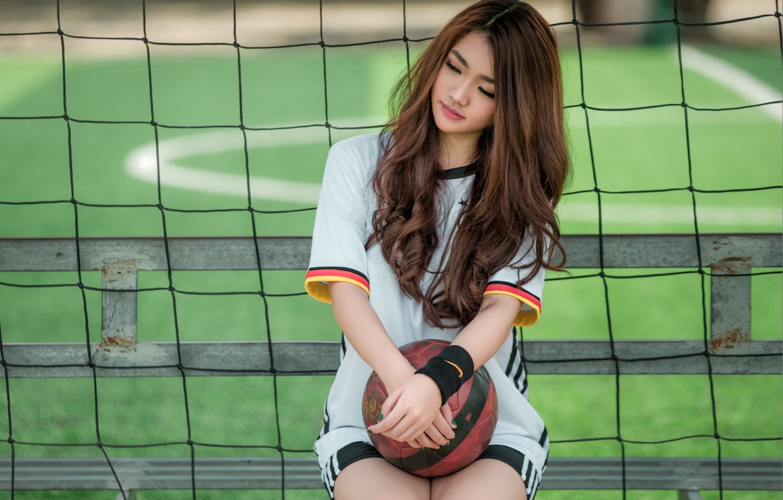 Фото обои девушка, мяч, азиатка