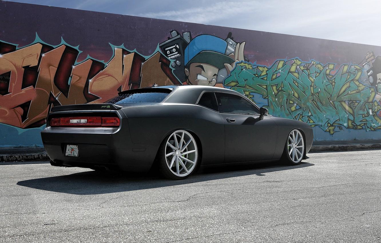 Фото обои стена, чёрный, граффити, Dodge, SRT8, Challenger, Dodge Challenger SRT8