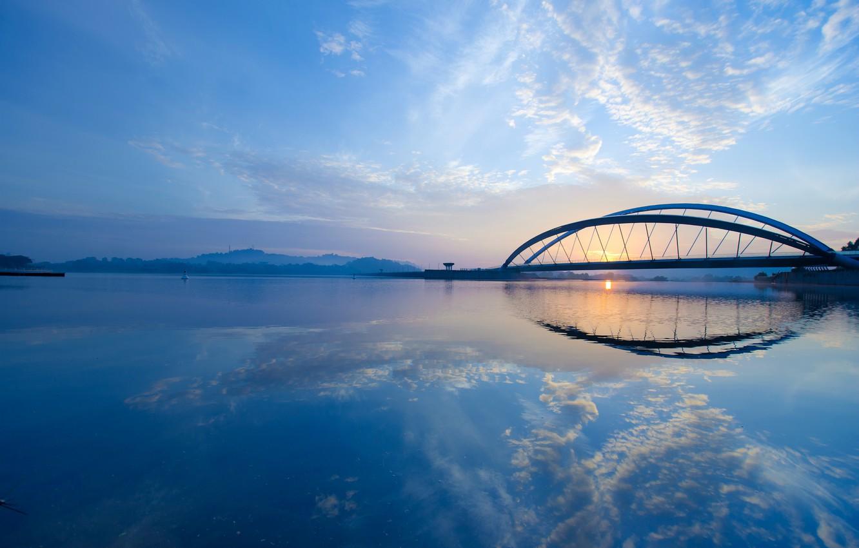 Фото обои небо, облака, мост, city, город, пролив, рассвет, утро, sky, bridge, clouds, morning, Малайзия, sunrise, Malaysia, …