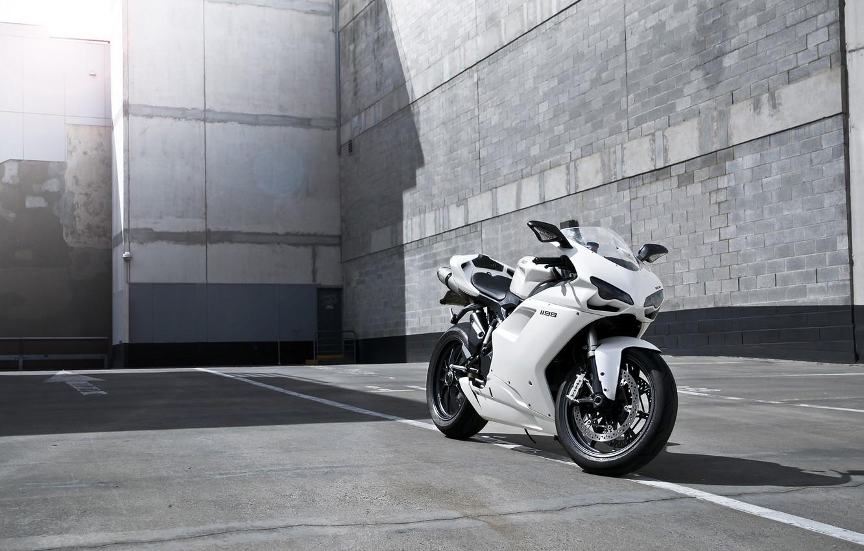 Фото обои белый, полосы, тень, мотоцикл, white, блик, bike, ducati, дукати, supersport, 1198