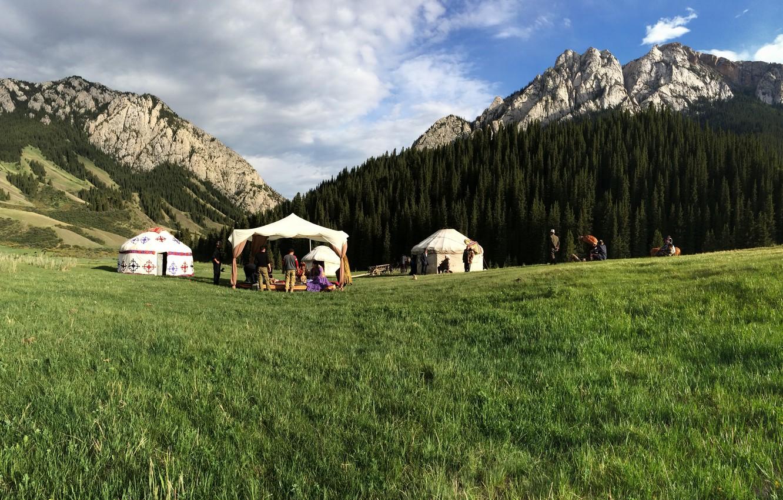 Oboi Nebo Gory Priroda Kazahstan Yurta Kartinki Na Rabochij Stol