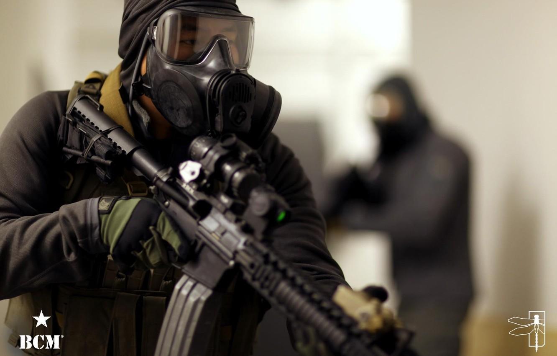 Фото обои оружие, противогаз, AR-15, BCM