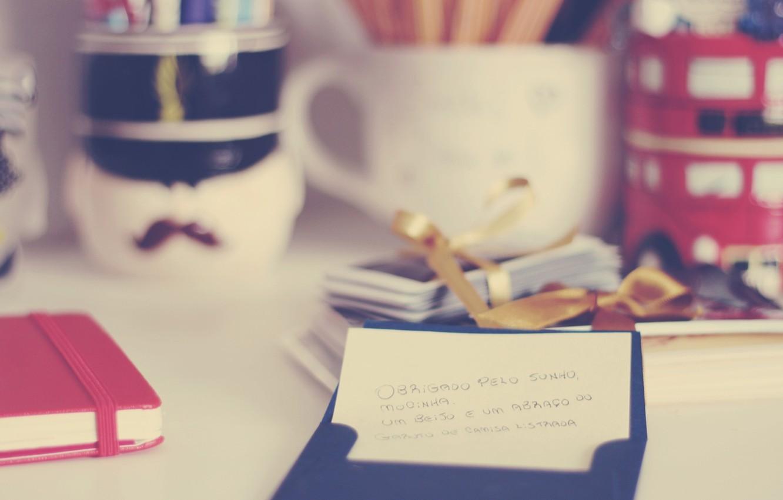 Фото обои стол, посуда, блокнот, записка