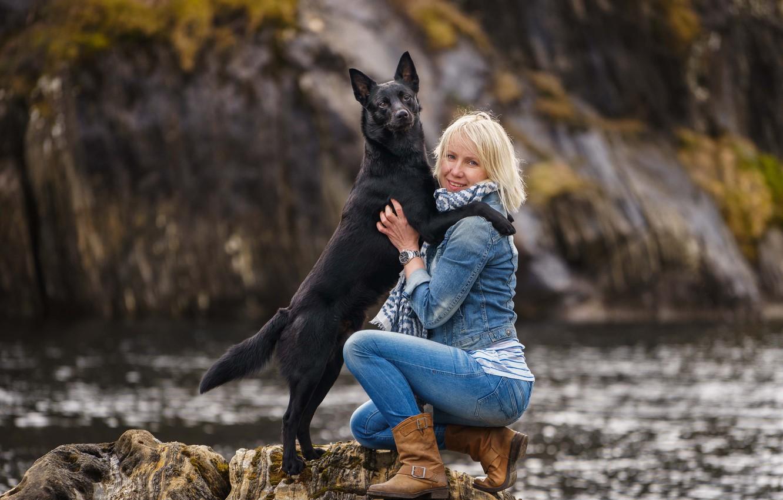 Фото обои girl, rock, dog, lake