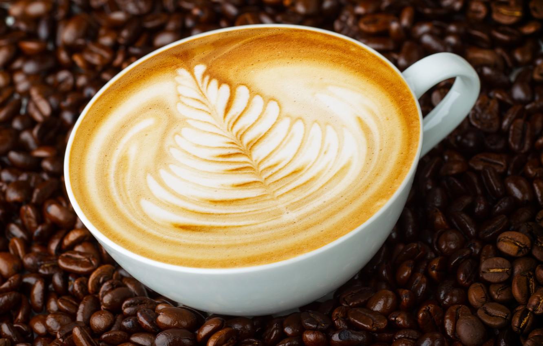 Фото обои узор, рисунок, кружка, капучино, кофейные зерна, блюдце, пенка