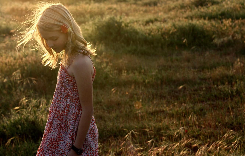 Фото обои поле, свет, настроение, девочка