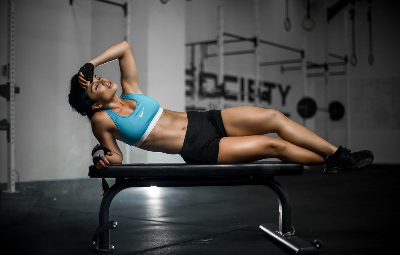 Фото обои девушка, скамейка, лицо, волосы, тело, фигура, спортивная, ножки, Luz