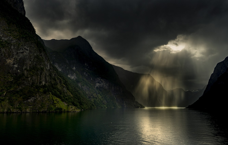 Фото обои горы, тучи, шторм, природа, ливень, фьорд