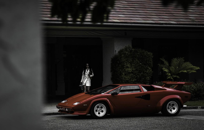Фото обои девушка, красный, дом, собака, Lamborghini, red, girl, house, dog, ламборгини, countach